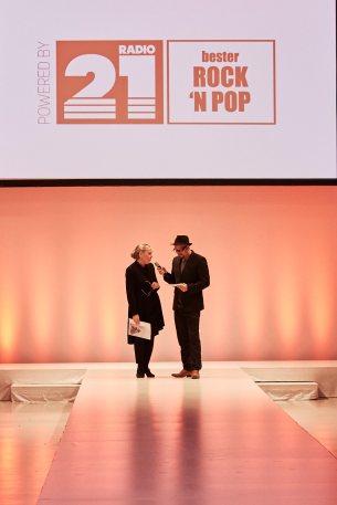 Fahmoda-Chefin Karin Lilienthal mit Radio21-Moderator Olli Peral.