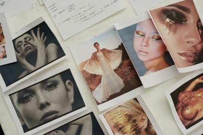 Trapped – Christian Pries' Fashion Film über einen goldenen Engel in NüskaCouture