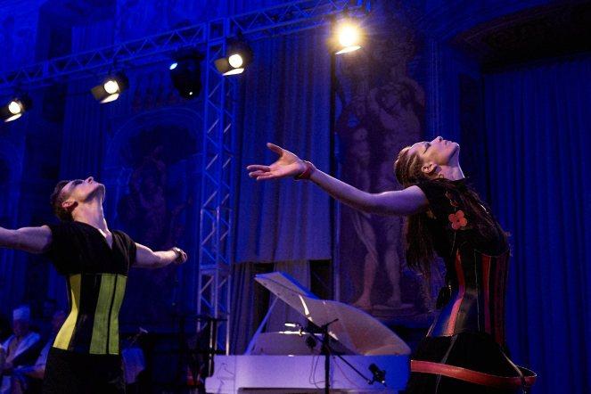 Expressiver Tanz traf beim F&D-Festival auf nicht minder intensive Mode.