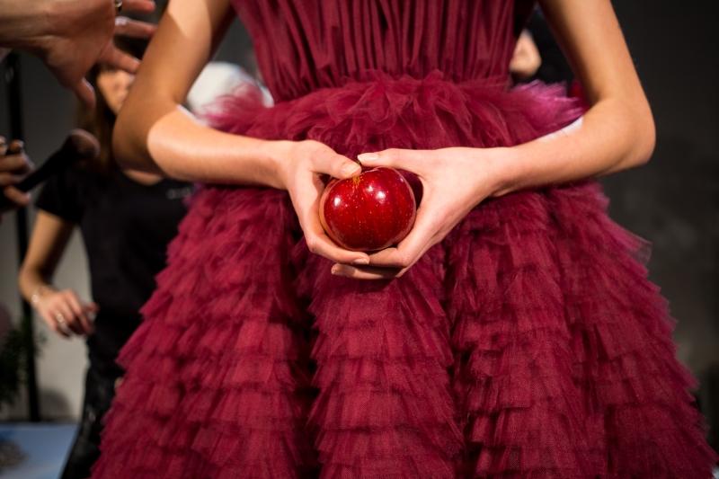 """Danny Reinke verwandelt den me Collectors Room mit """"Secret Desire"""" in einen Garten Eden derMode"""
