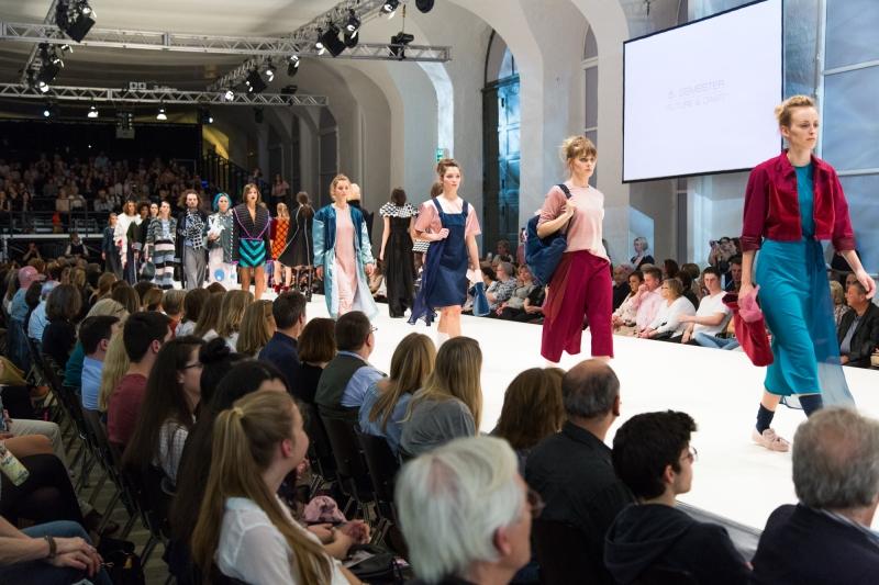 Fashion Finals: Antonia Parr, Anastasiia Ustinov, Laura Siefgens und Karolin-Sophie Niedfeld gewinnen Awards der Hannover Fashion Show in der GalerieHerrenhausen
